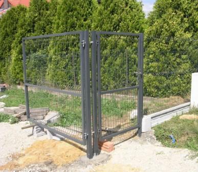 brama skrzydłowa i furtka grafit wypełnione panelem zgrzewanym